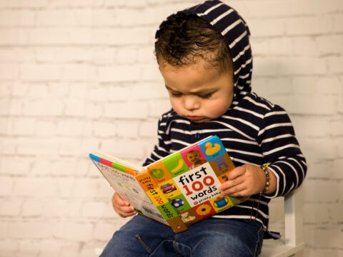 Jak uczyć dziecko języka angielskiego w domu?